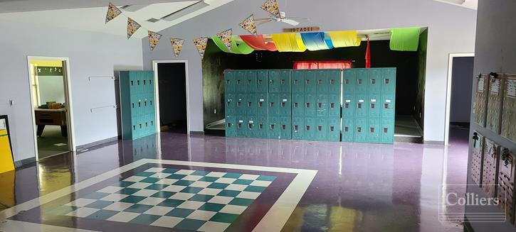 For Lease | 9,553 SF Former Pre-School in Spring