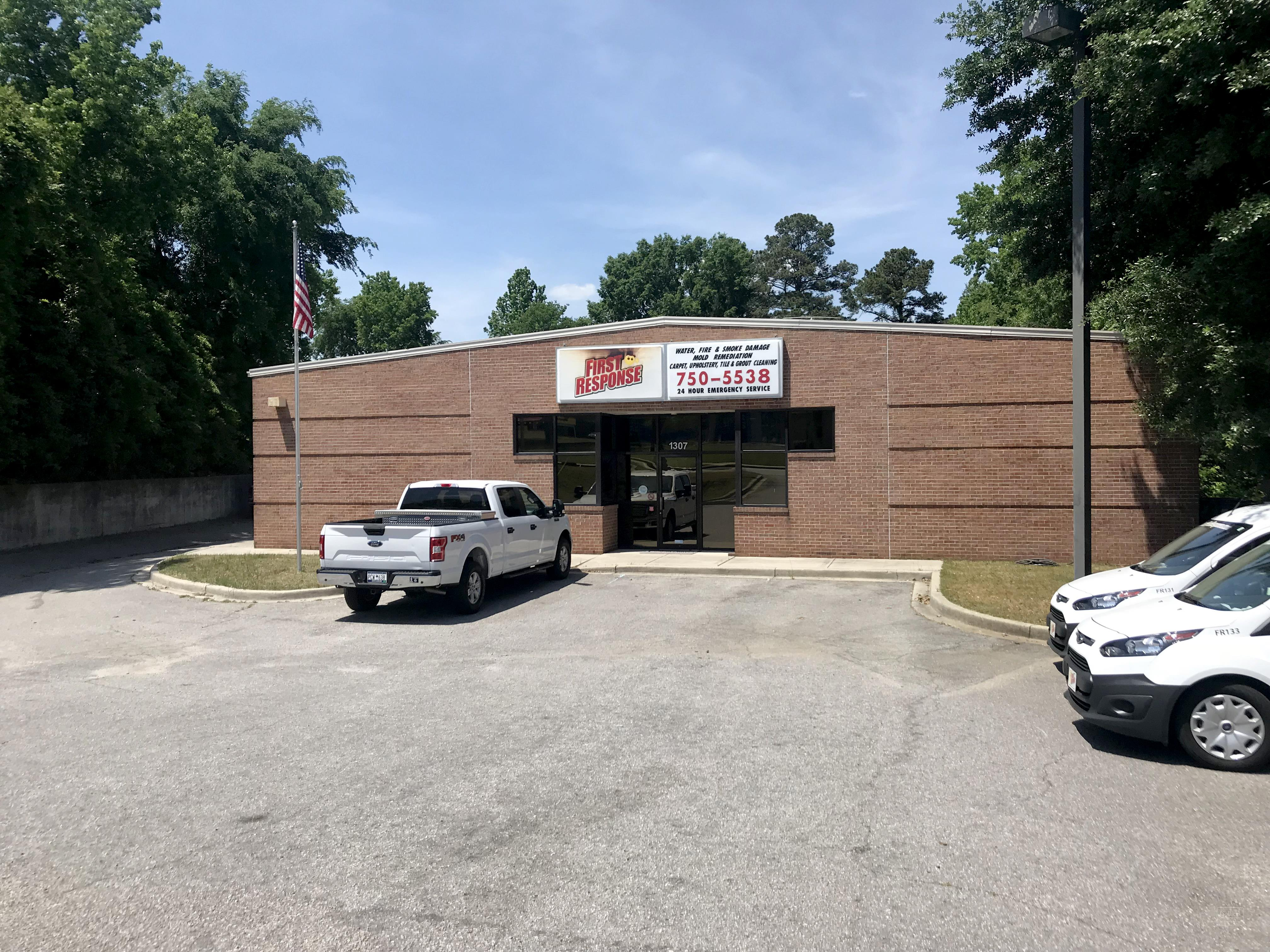 Colliers International   Properties   ±6,980 SF Flex Space Right Off